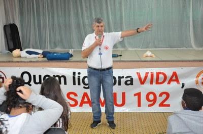 Darcio Agude -Atividade com a ambulância do SAMU: Escola Estadual Padre Matias Lobato 08/06/2018