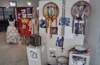 """Comissão de Cultura abre exposição """"Tambores do Rosário"""""""