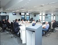 Legislativo aprova seguro-garantia para obras, bens e serviços