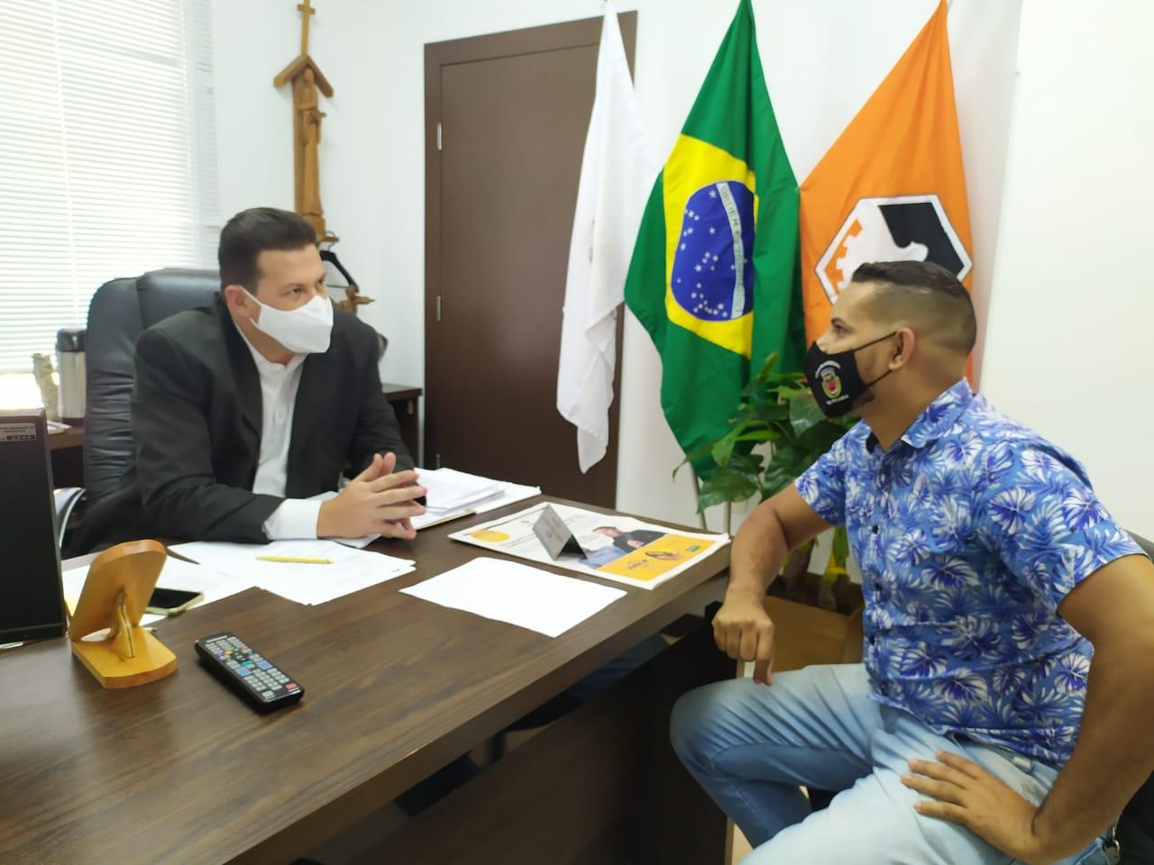 Presidente do Legislativo de Pitangui visita Câmara Municipal de Divinópolis