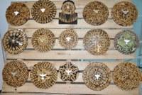 Retalhos de madeira viram arte nas mãos de artista plástico