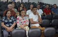 Taxistas que foram além da profissão são homenageados na Câmara